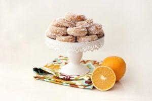 עוגיות יויו מטוגנות עם קוקוס ותפוזים לחנוכה צילום ענבל לביא