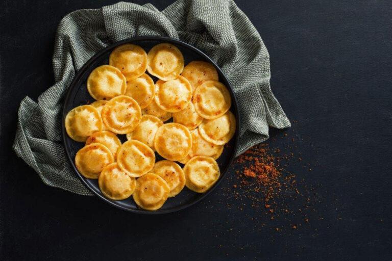 רביולי גבינות שמש פסטה ריקו | צילום: אסף אמברם